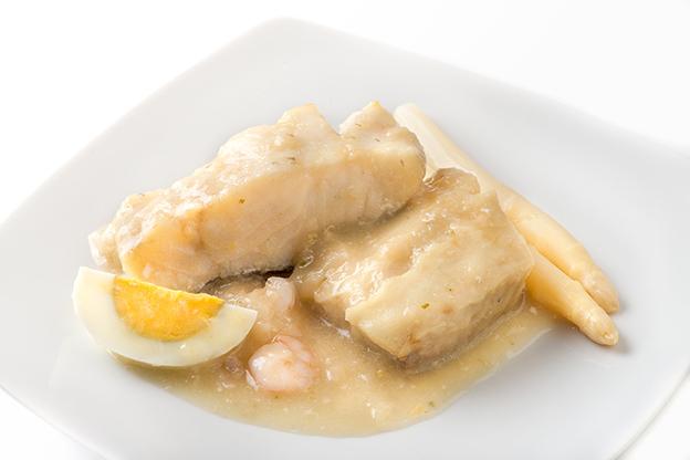 Platos de pescados y mariscos a domicilio menudiet for Cocinar merluza a la vasca
